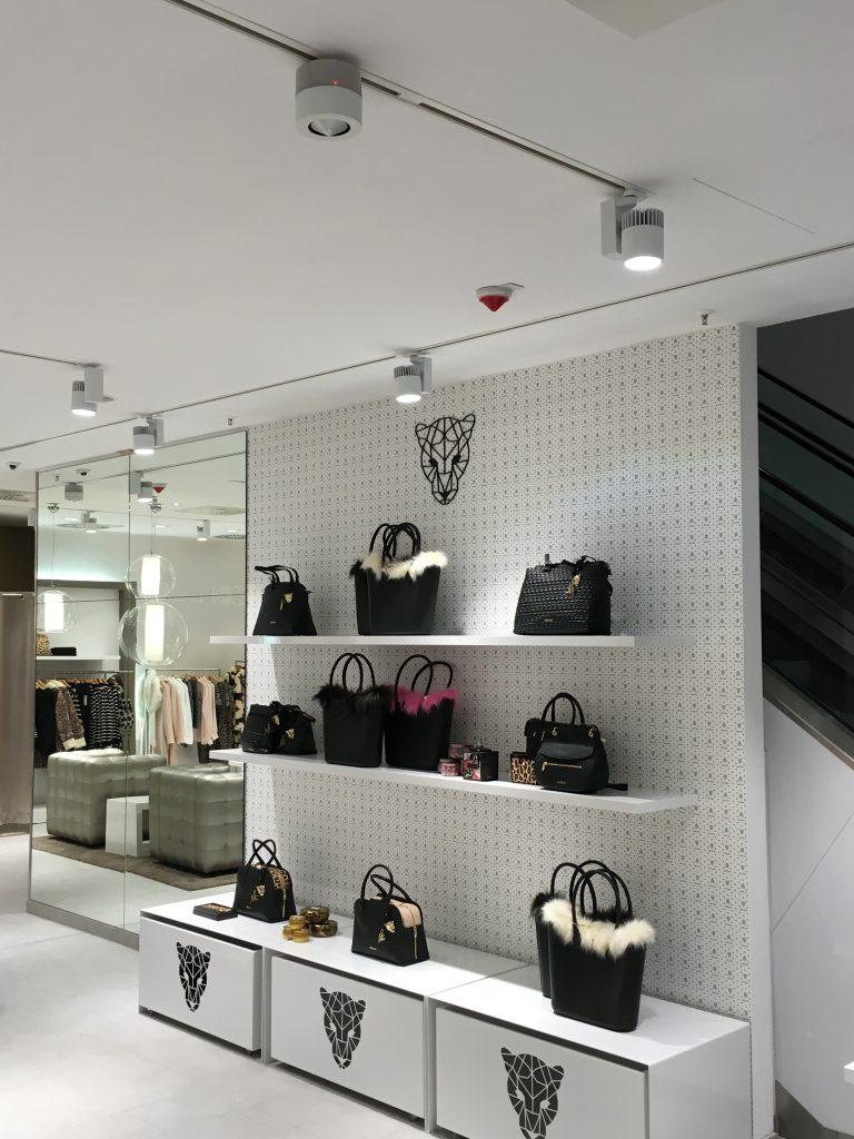 NewTec Xquisit Fashionlounge Lautsprecher Stromschiene
