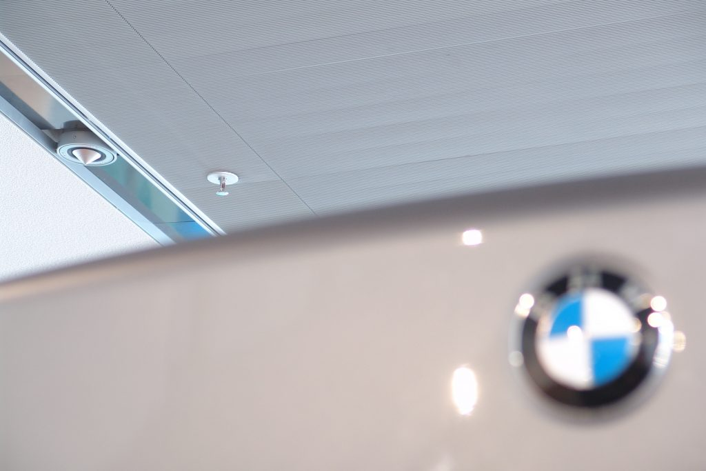 BMW Showroom Berlin NewTec Lautsprecher
