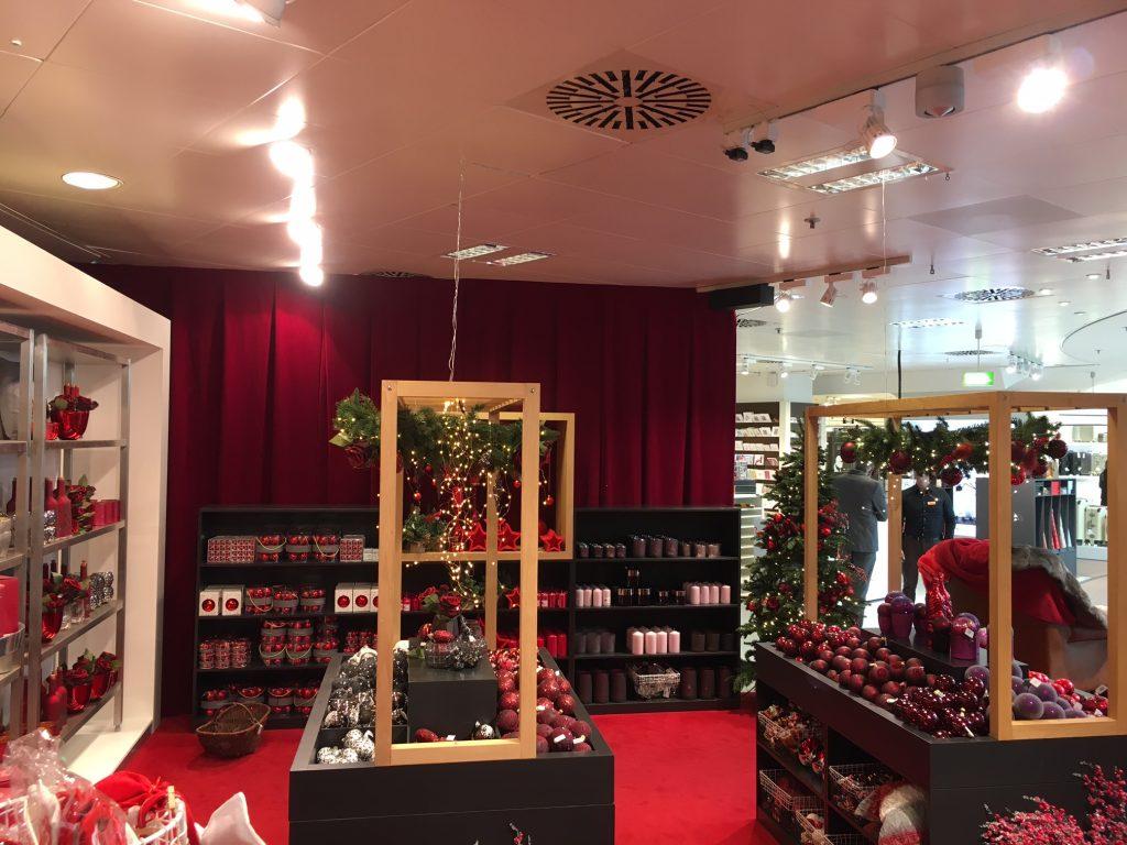 Weihnachtsmarkt Breuninger NewTec Lautsprecher
