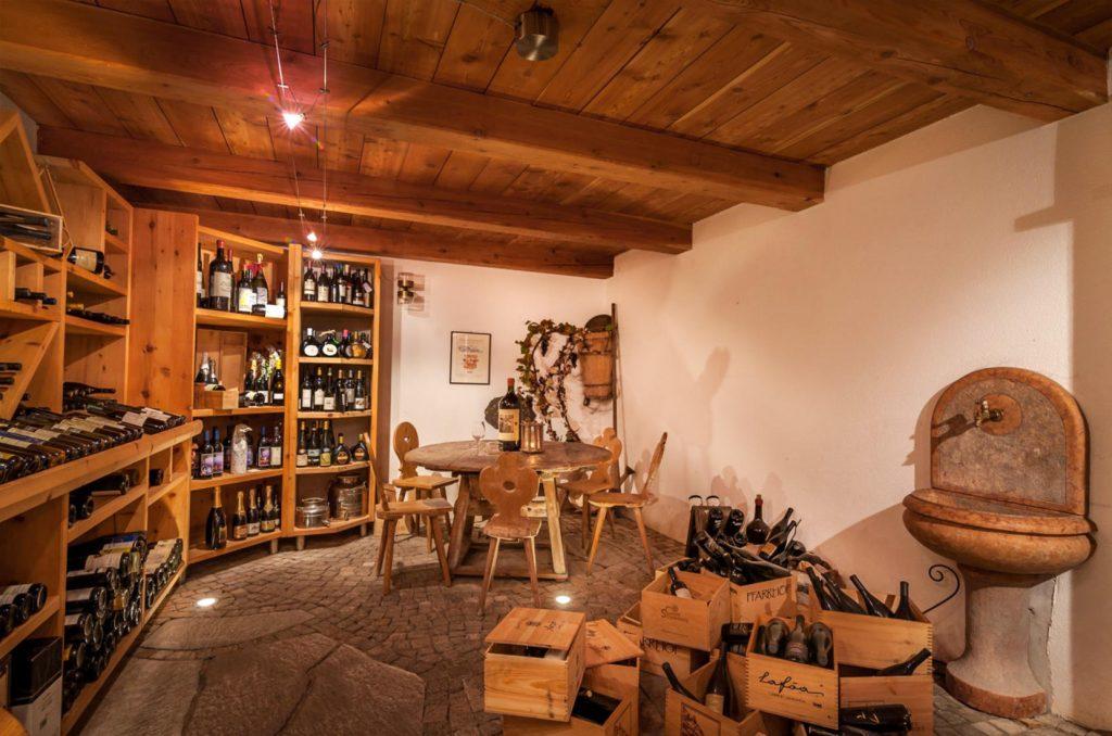 NewTec Lautsprecher Hotel Zum Mohren Weinladen Tisens Südtirol Italien