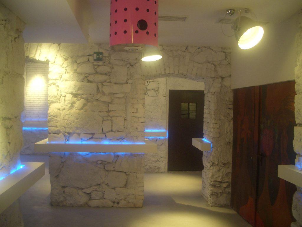 NewTec Lautsprecher Hotel Aurora Meran