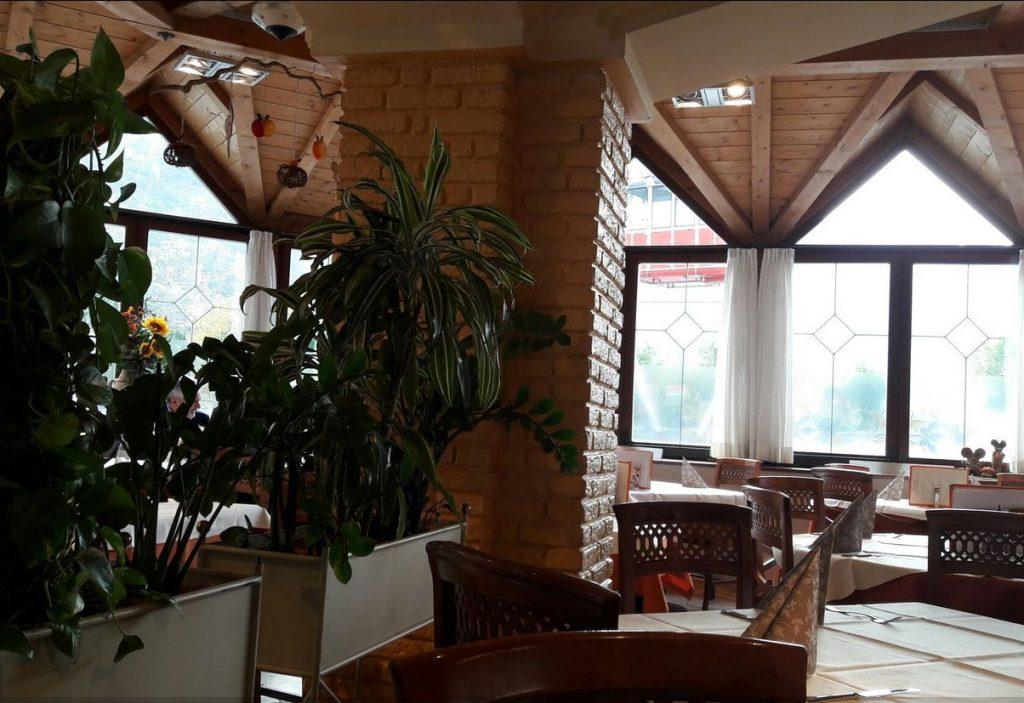 NewTec Deckenlautsprecher Restaurant Cascade Bozen