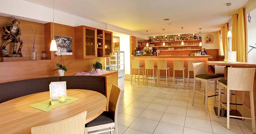 NewTec Lautsprecher Bar_Hotel_Nigglhof