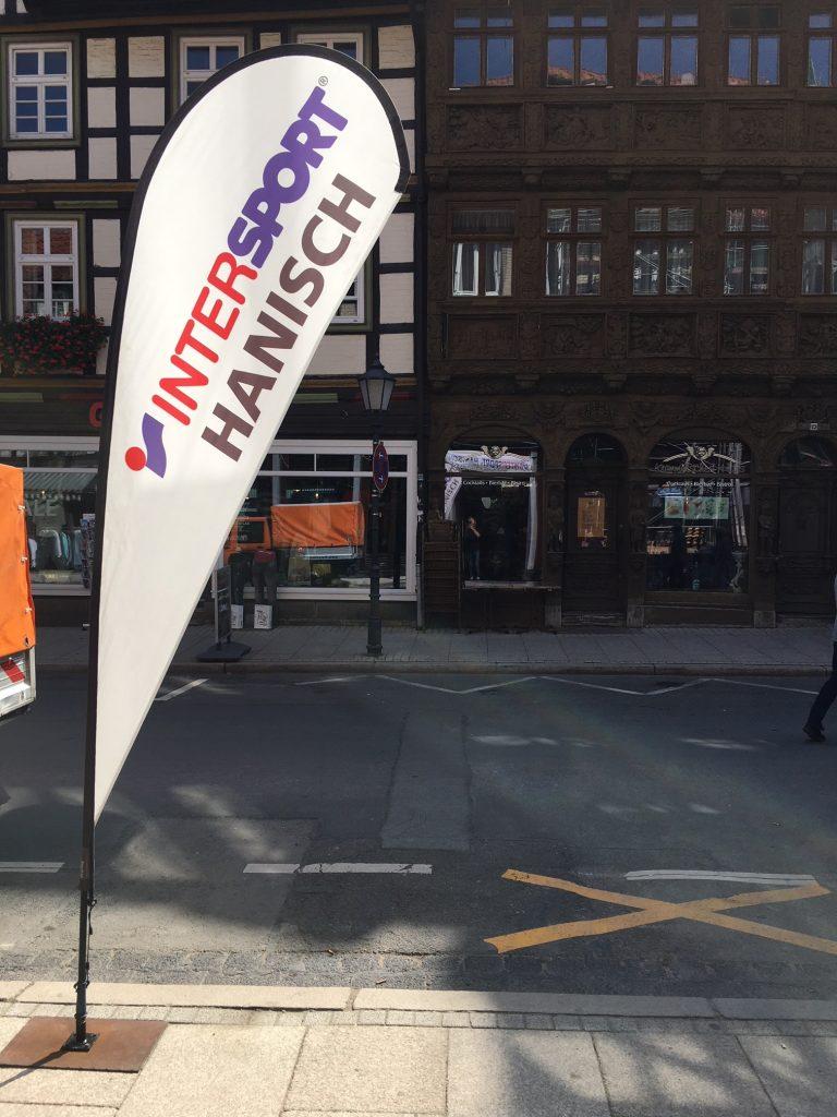 NewTec-Intersport-Hanisch-Lautsprecher-Stromschiene