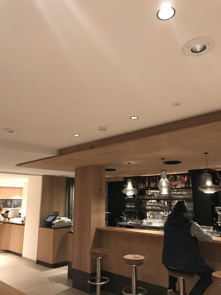 NewTec Hotel Christof Eppan Lautsprecher CONO alto Deckeneinbaulautsprecher Sound System