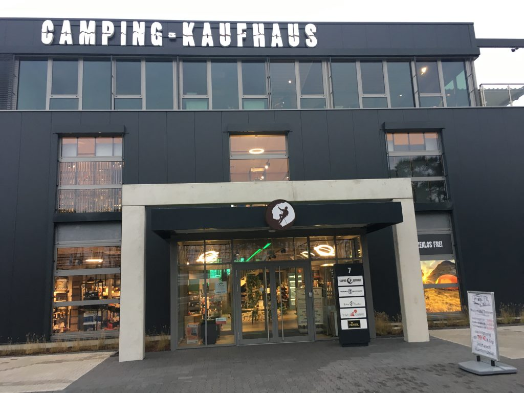NewTec Soundsystem Lautsprecher Stromschiene Camping Kaufhaus Verl