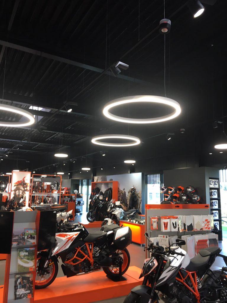 NewTec KTM Braumandl Wels Stromschienenlautsprecher Subwoofer WiFi Speaker