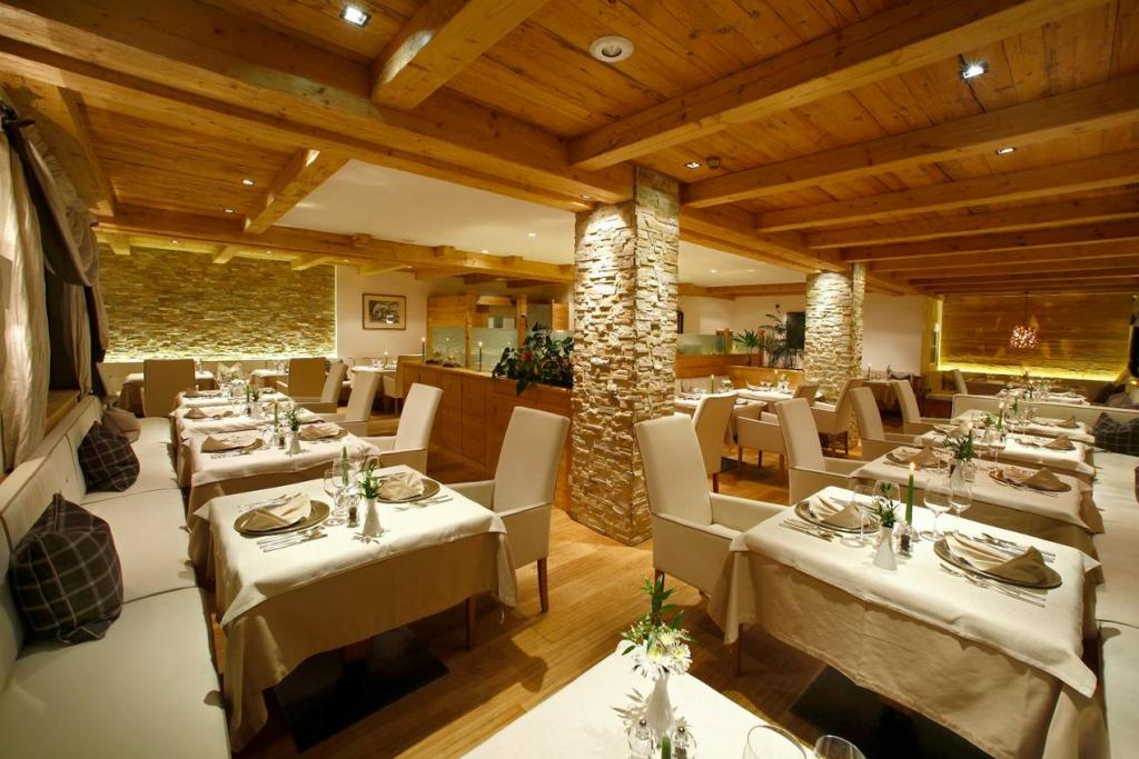 NewTec Hotel Savoy Gröden Einbaulautsprecher CONO alto