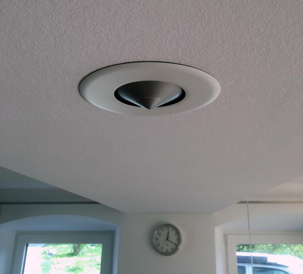 Loudspeaker for ceiling
